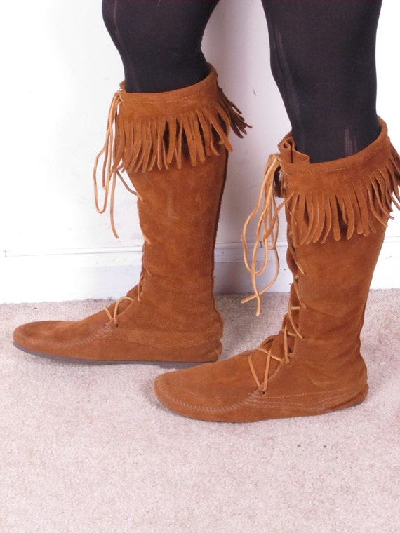 vintage 70s DISTRESSED moccasins MINNETONKA lace up tall knee high fringe top flat sole boots sz 9 1/2