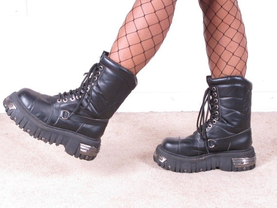 vintage 90s GOTH PLATFORM grunge punk rock combat military army lace up black leather boots unisex