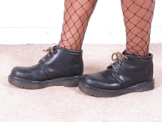 vintage DoC MaRTeN 90s grunge black lace up air cushion sole made in england uk 5 usa 7 1/2