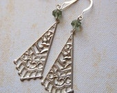 Filigree and green glass. Romantic. Sophia. Earrings