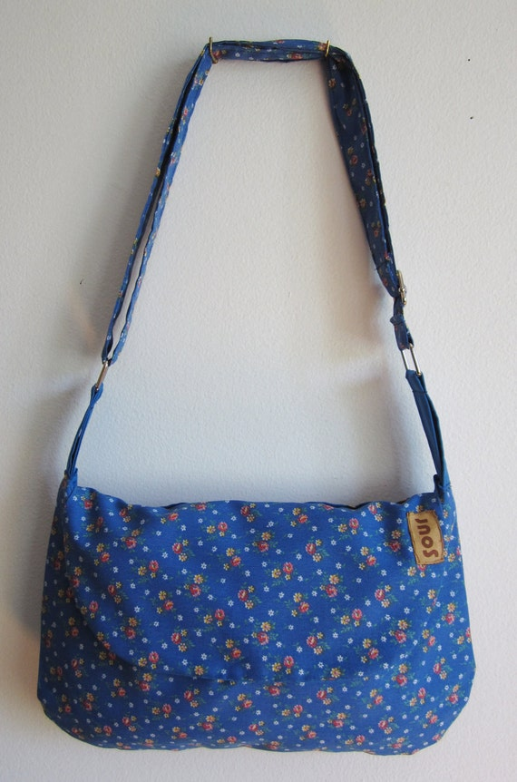 Grassroots Country Blue Floral purse
