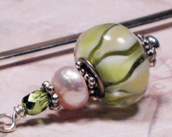Green Calla Lily Lampwork Beaded Bookmark