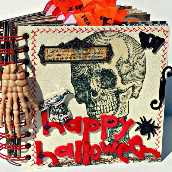SALE------HAPPY HALLOWEEN A-Z Scrapbook Photo Album