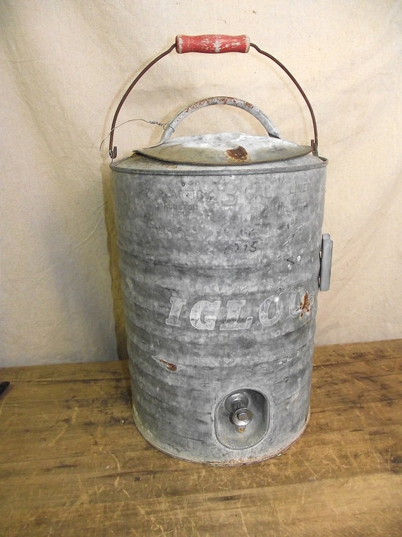 Vintage large igloo ice drink cooler galvanized by ruffbymargo - Igloo vintage ...