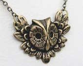 VINTAGE STYLE FEATHER FRAMED OWL BRASS PENDANT NECKLACE