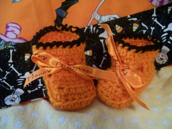 HAPPY HALLOWEEN  Hand Crocheted Booties for your Newborn or Reborn Doll