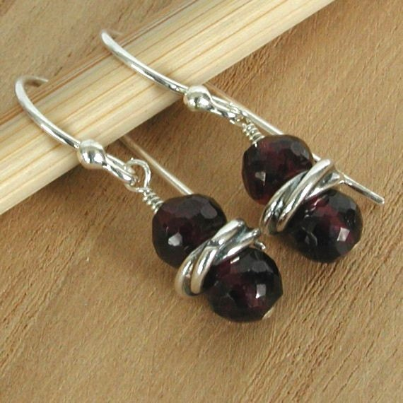 Garnet and Sterling Silver Earrings Chic