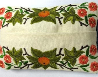 Flowing Floral Embroidered Tissue Holder
