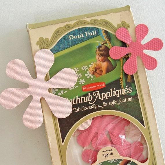 1969 Vintage Rubbermaid bathtub appliques