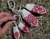 Miniature mittens PATTERN. Offered in 2 languages,  English and Norwegian
