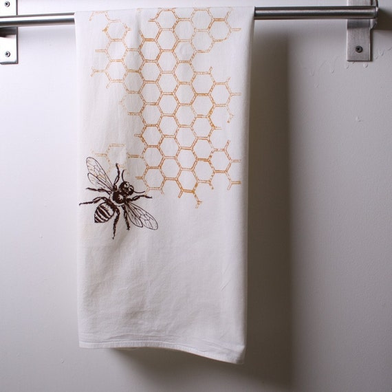 2 honeycomb with bee flour sack towels