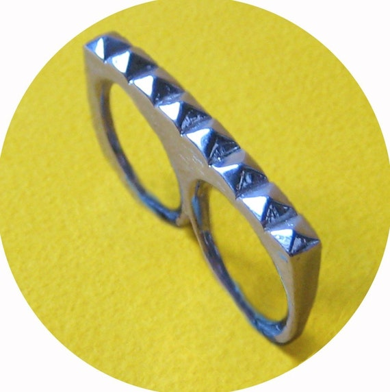 Studly 2 Finger Ring