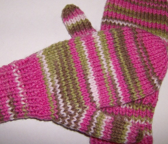 Knitting Pattern For Hunting Mittens : CHILDS MITTENS PINK CAMO COMBO Hand Knit 8 to 10 Years
