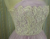 Pretty little lilac & lace party dress size small