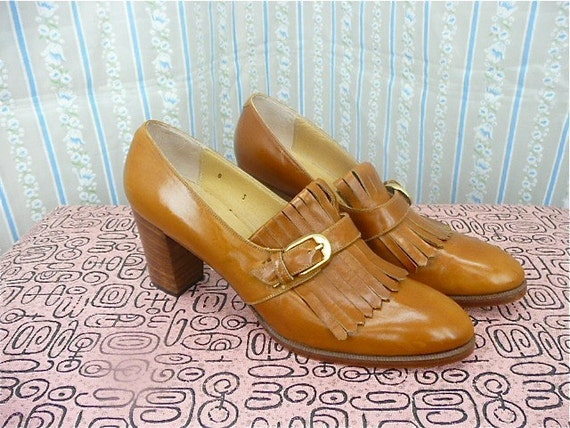 Brown leather heeled oxfords Just gorgeous size 7/8 tassel fringe wood stacked