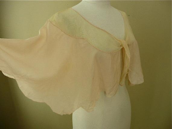 Beautiful pale peach bed jacket cape sheer silk mesh lace antique capelet