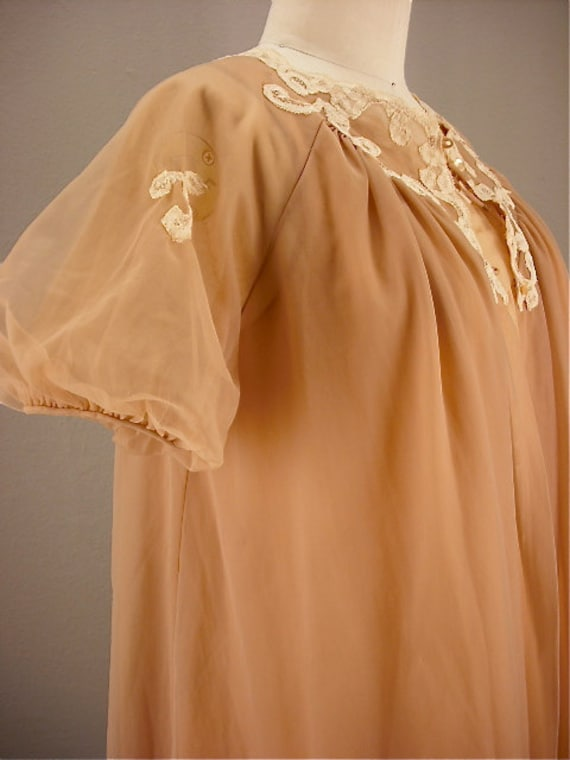 60s nude peignoir set / Vintage lingerie / 1960s nightie set