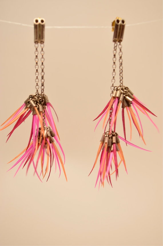 Vintage earrings / Funky little spiked earrings / pink and orange earrings