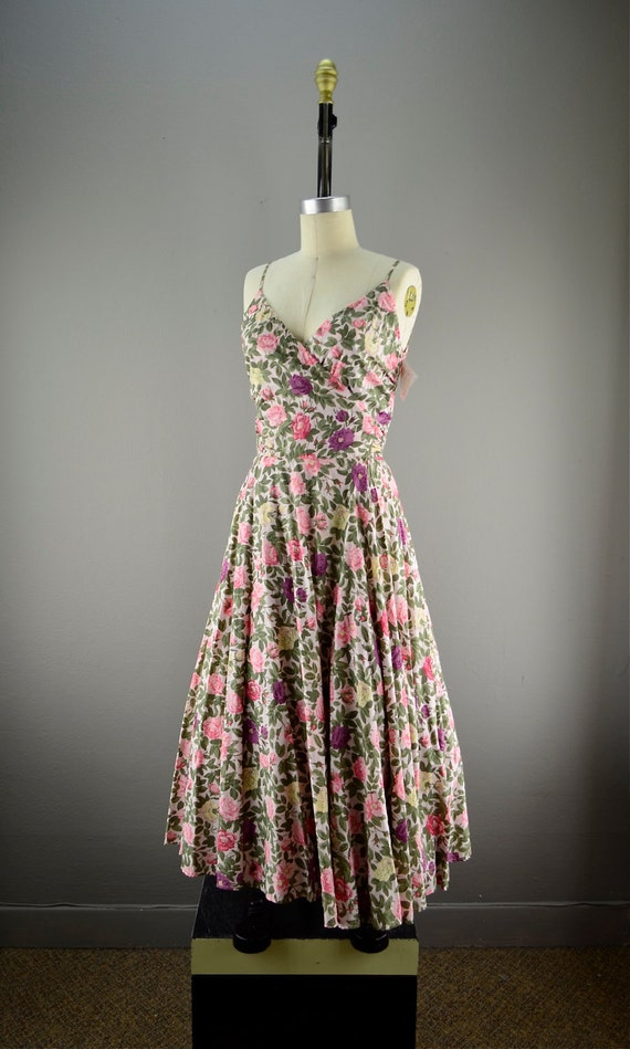 Beautiful floral cotton sundress size medium pink and green Vintage wrap dress summer FULL skirt VLV