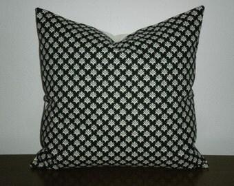 SALE - Free Domestic Shipping.. Decorative Pillow Cover - 18 inch Black and White Aloe Vera