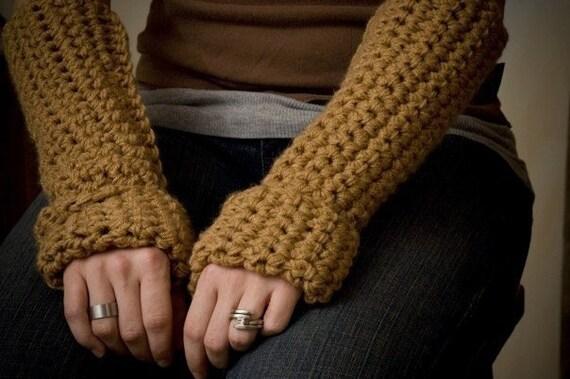 Caramel and green wrist gloves