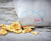 Reusable Sandwich Bag - Reusable Snack Bag - Hand Embroidered - Mouse - Eco Friendly