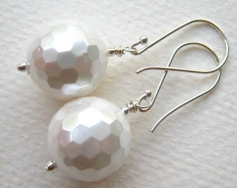 Disco Snowballs -  Pearly Earrings - Louisiana - EANGTEAM