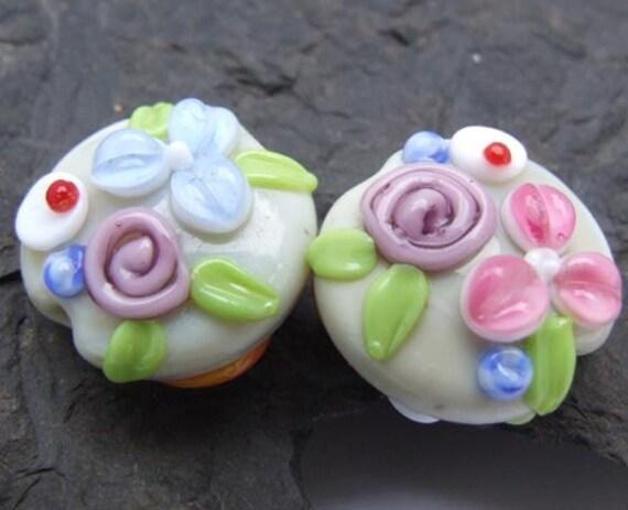 Natali - The New Wild Bouquet...(2) LAMPWORK beads SRA