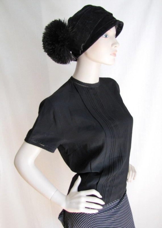 Office Minx - Vintage 1940s  Rayon Tuxedo Blouse with Lace trim XL Large