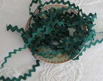 Vintage Cotton Ric Rac - Green - 5 Yards - 6 Dollars