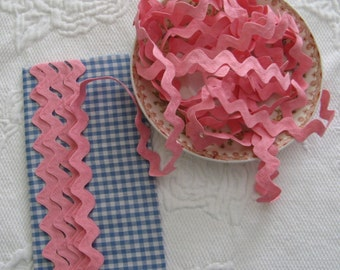 Vintage Cotton Ric Rac- Carnation Pink - 5 Yards