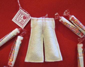 Smartie Pants Favors - Felt Craft - PDF Pattern file - Great for Valentines, Classroom Treats, etc.