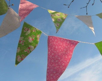 24 Spring Party Flags with bunnies