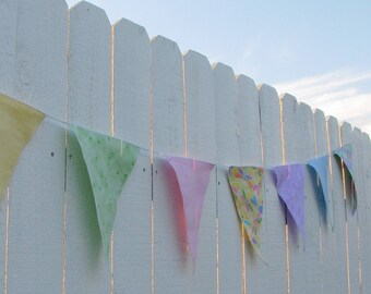 12 Spring Bug Party Flags