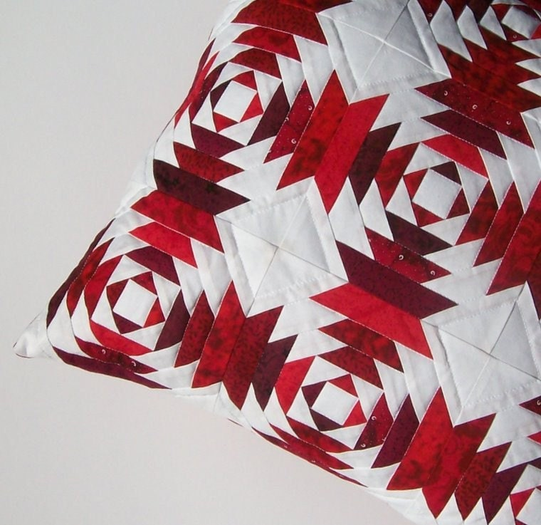 Holiday Reds Pineapple Quilt Block 18 Inch Pillow Cover