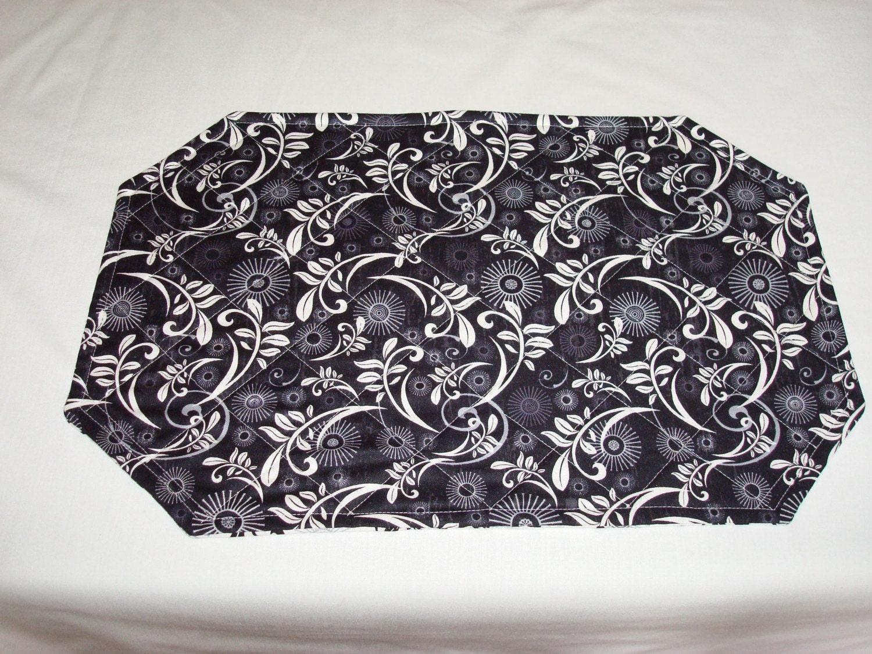 black and white print placemats set of 4. Black Bedroom Furniture Sets. Home Design Ideas