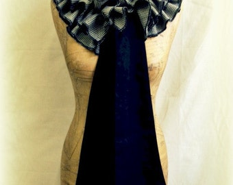 Houndstooth Ruffled Wool Coquette Scarf