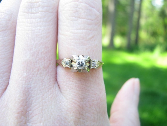 Sweet & Dainty 1940's 14K Gold Diamond Engagement Ring