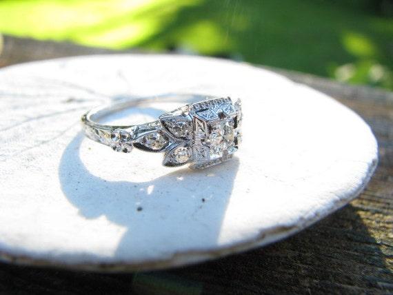 RESERVED for R - Stunning Art Deco 18K White Gold Diamond Ring - Beautiful Leaf Design - Engraving - Old Cut Stones - Fine Maker Jabel