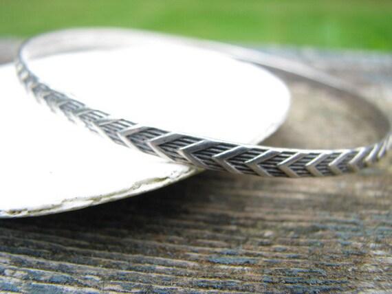 Vintage Deco Carved Sterling Silver Bangle - Nice Design - FREE SHIPPING
