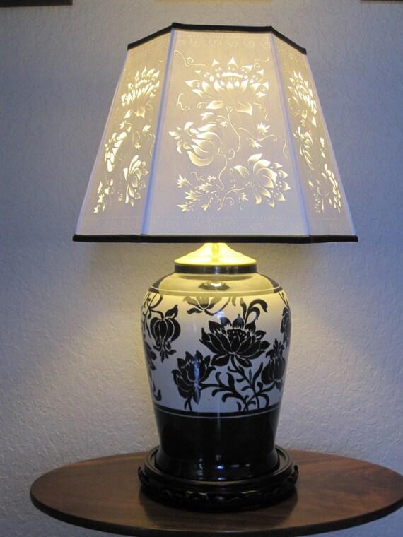 Black and White Lotus Lamp
