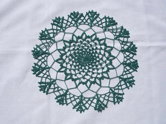 New Handmade Crocheted Waterlily Doily in Forest Green 10 inches