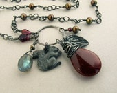 SQUIRREL LOVE - pearl and silver charm necklace