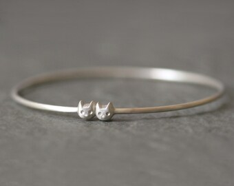 Kitty Bangle in Sterling Silver