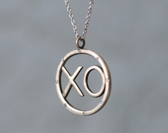 XO Pendant in 14K Gold with Diamonds