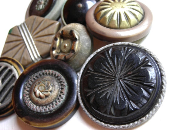 Antique Buttons Lot of 8 : Extra Large Shank Back Buttons