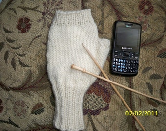 Texting Mittens Pattern / Instant Download / Fingerless Texting Mittens Pattern / Awesome Pattern