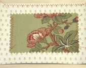 Vintage Flowers, Green and Red