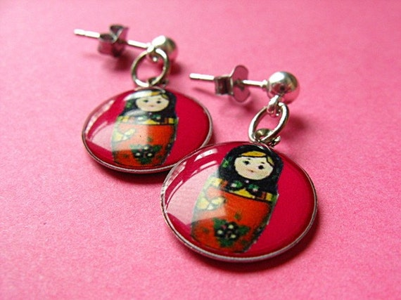 Matryoshka Dangle Studs - Russian Doll Earposts - Fuchsia Pink