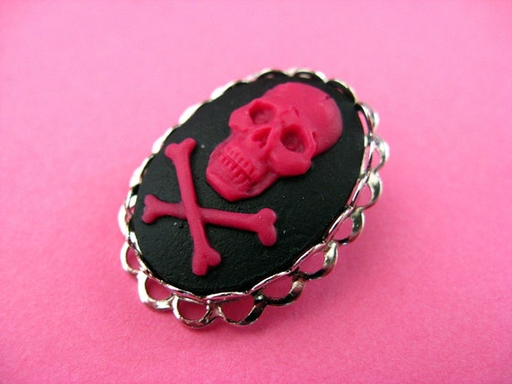 Pink Skull Brooch - Scary Cameo Pin - Pink and Black